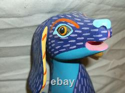 VINTAGE OAXACAN WOOD CARVING MEERCAT  BY 1st WAVE CARVER L. PABLO, MEXICO