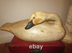 Vintage LARGE wood Folk Art carved goose duck