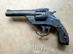 1910-20s Folk Art Sculpté Smith & Wesson Pistol Display Piece Trade Sign