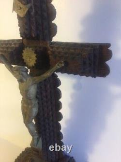 Ancien Bois Sculpté Tramp Art Crucifix Jésus Croix Folk Art
