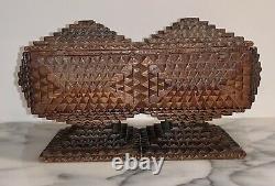 Années 1900 Tramp Art Ornate Wood Sculpté Box Americana Folk Art