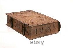 Antique 1789 Bois Ébréché Sculpté Deux Coeur Slide Top Box Folk Art