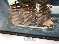 Antique 19 C Folk Art Ship Diorama Shadow Box Carved Peint 1890. Circa Bois