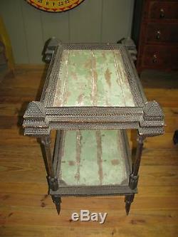 Antique Art Tramp Tableau À Deux Niveaux Folk Art Carved Décorée Expédition Disponible