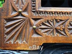 Antique Chip Cadre Carved Avec Des Clous 19thc Noyer 12 Antique Folk Art Victorien