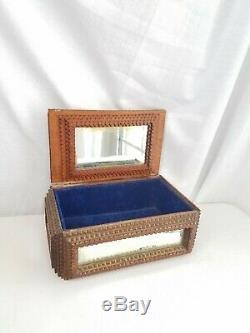 Antique Clochard Art Art Mirrored Box Folk Cigar Main En Bois Sculpté Bijoux Americana