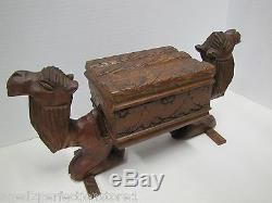 Antique Figuraux Deux Couvercle Chameaux Carved Folk Art En Bois Boîte À Charnière Ornée Oeuvre