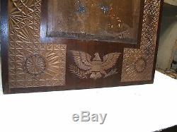 Antique Noyer Folk Art Cadre Sculpté Eagle Chauve Patriotique Drapeau Américain