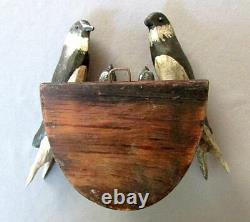 Antique Peinture À La Main Folk Art Sculpté Bois Nesting Birds