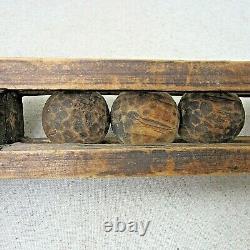 Antique Whimsy En Bois Main Boules De Bois Sculpté Dans Cage Cadre Folk Art 20 Pouces