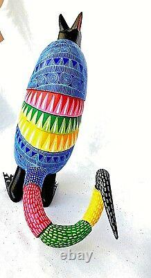 Armadillo Alebrije Standing Hand Crafted Oaxacan Wood Carving Oaxaca Mexique