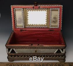 Art Chip Sculpté Folk Tramp Box, Signé Paulsen + 2 Photos Cdv, Syracuse Ny C1900