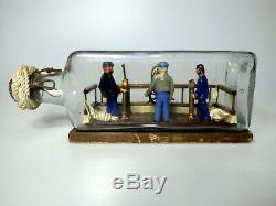 Art Populaire Diorama De Trois Marins Sur Le Pont D'un Bateau Dans Une Bouteille, Comique, Whimsey