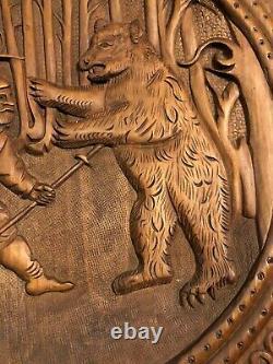 Art Populaire Forêt Noire Sculpture Sur Bois Sculpté À La Main Hunt Scène Hunters Plaque Ours