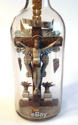 Belle Jésus Avec Halo Sur La Croix Dans Une Bouteille, Folk Art, Comique, Whimsey