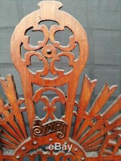 Big Set Antique Tramp En Bois Sculpté Folk Art Crucifix Anges Jésus Bougeoir
