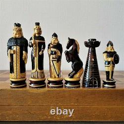 Big Soviet Folk Art Main Sculpté Jeu D'échecs En Bois Russie Vintage Urss Antique