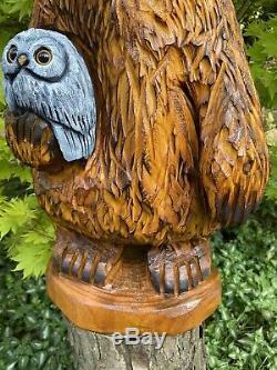 Chainsaw Sculpté Patapouf Holding Owl Mangeoire Unique Lunatique Folk Oeuvre D'art