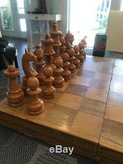 Conseil Folk Art Rare Vtg Antique Grande Main En Bois Sculpté Jeu D'échecs Se Sont Jeu