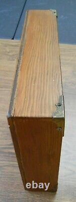 Début Allemand Folk Art Sculpté Villagers En Bois Dans Shadow Box 14 Pc Vicar Constable