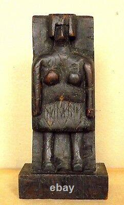 Figure De Sculpture Brutaliste D'art Folklorique D'une Main De Femme Bois Sculpté Aafa C. Années 30