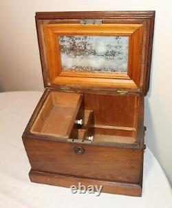 Grand Antique Des Années 1800 Fait Main En Laiton Sculpté Folk Art Boîte Coffre De Stockage Cercueil