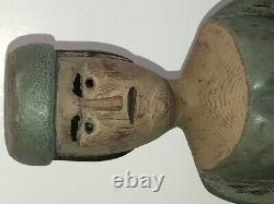 Grande Figure D'art Populaire 15 Sculptée Et Peinte D'une Femme