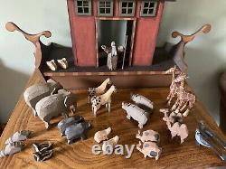 Heirloom Wooden Noah's Ark 15 Paires Animaux Folk Art Sculpté À La Main Ensemble Peint