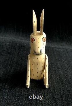 Jaime Santiago A Signé Oaxacan Wood Carving