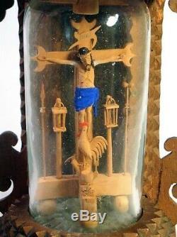 Jésus Sur La Croix Folk Art, Comique, Whimsey Dans Une Bouteille Avec Chip Sculpté Stand