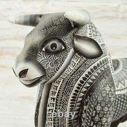 Magia Mexica A1846 Bull Alebrije Oaxacan Peinture Sur Bois Sculpture À La Main