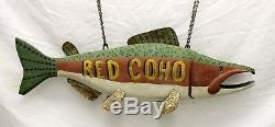 Main En Bois Sculpté Et Métal Rouge Coho Salmon Publicité Art Folk 28 Signe Fish