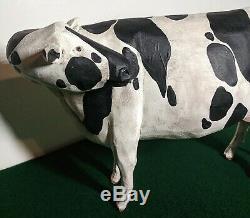 Main Impressionnant Sculpté Art Populaire Holstein Vache À Lait Larry Koosed 2008
