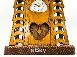 Milieu Du Siècle Folk / Tramp Art Bois Sculpté Mantle Horloge Howard Finster Type De