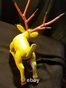 Museum Quality Deer Vintage Oaxacan Alebrije Sculpture Sur Bois Par Jose Hernandez