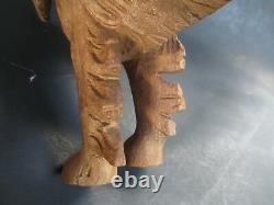 Nice Vintage Dog Vieux Bois Sculpté À La Main C1900's Folk Art 12-1/2 Long 8-1/2 High