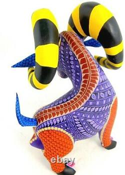 Oaxacan Wood Carving Ram Lauro Ramirez Art Populaire Mexicain Alebrije