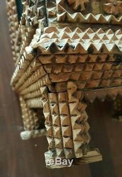 Paire De 19ème Siècle Antique Carved Santos Reliquaire Tramp Folk Art Boîtes