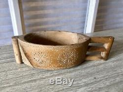Paire Primitive Norvégienne, Scandinave Folk Art Carved Scoops, Chasseurs Tasse D'eau