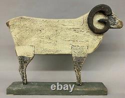 Ram En Bois Sculpté D'art Folklorique Polychrome De Cru