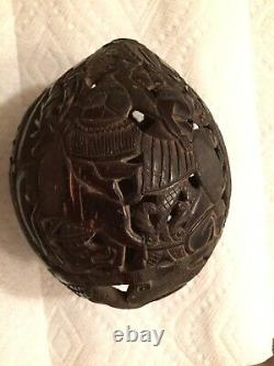 Rare 19ème Siècle Prison Mexicaine Art Hand Carved Coconut Shell Bank