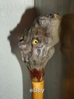 Sculpté À La Main Walking Art Primitif Stick Canne Folk Avec Les Yeux Un Rare Of A Kind