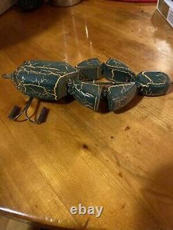 Vieux Frog Folk Art Main Carved Leurre Bois Mécanique