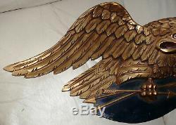 Vintage American Folk Art Eagle Avec Bouclier, Fabriqué Par Carving Artistique Co. Boston