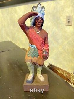 Vintage Folk Art Hand Sculpté Cigare Magasin De Cigares Statue Indienne Signé Hannah Vt