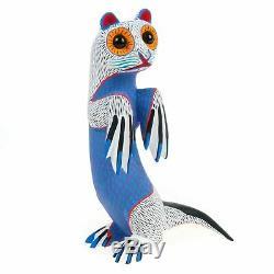 White Otter Oaxacan Alebrije Sculpture Sur Bois Art Populaire Mexicain Sculpture