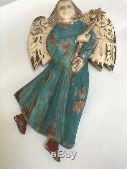 Winged Ange Primitif En Bois Sculpté Polychrome Folk Art Santos Signés